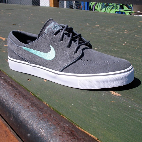 4af83d96114 Nike SB Zoom Janoski – Grey   Tiffany